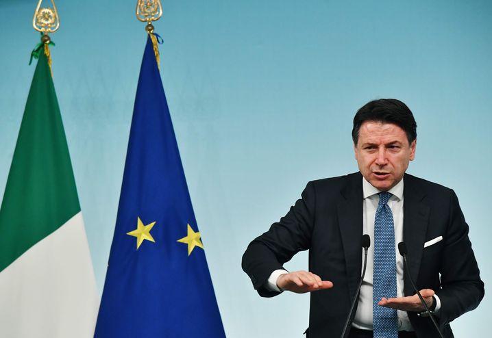 Italiens Regierungschef Giuseppe Conte stellt der Wirtschaft 25 Milliarden Euro zur Verfügung