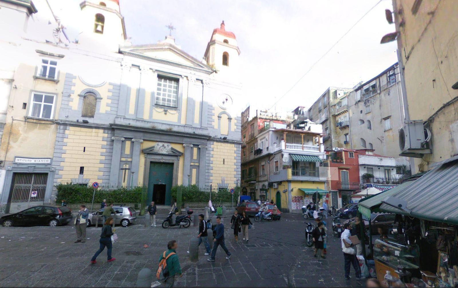 Neapel/ Piazza Montesanto