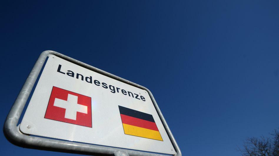 """Schweizer Grenze: """"Die Deutschen sind schneller im Reden und effizienter in der Präsentation"""""""