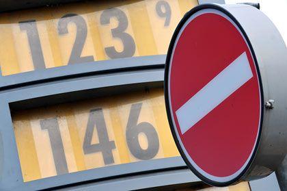 Heiliges Gut: Benzin erscheint vielen Deutschen vor Ostern zu teuer