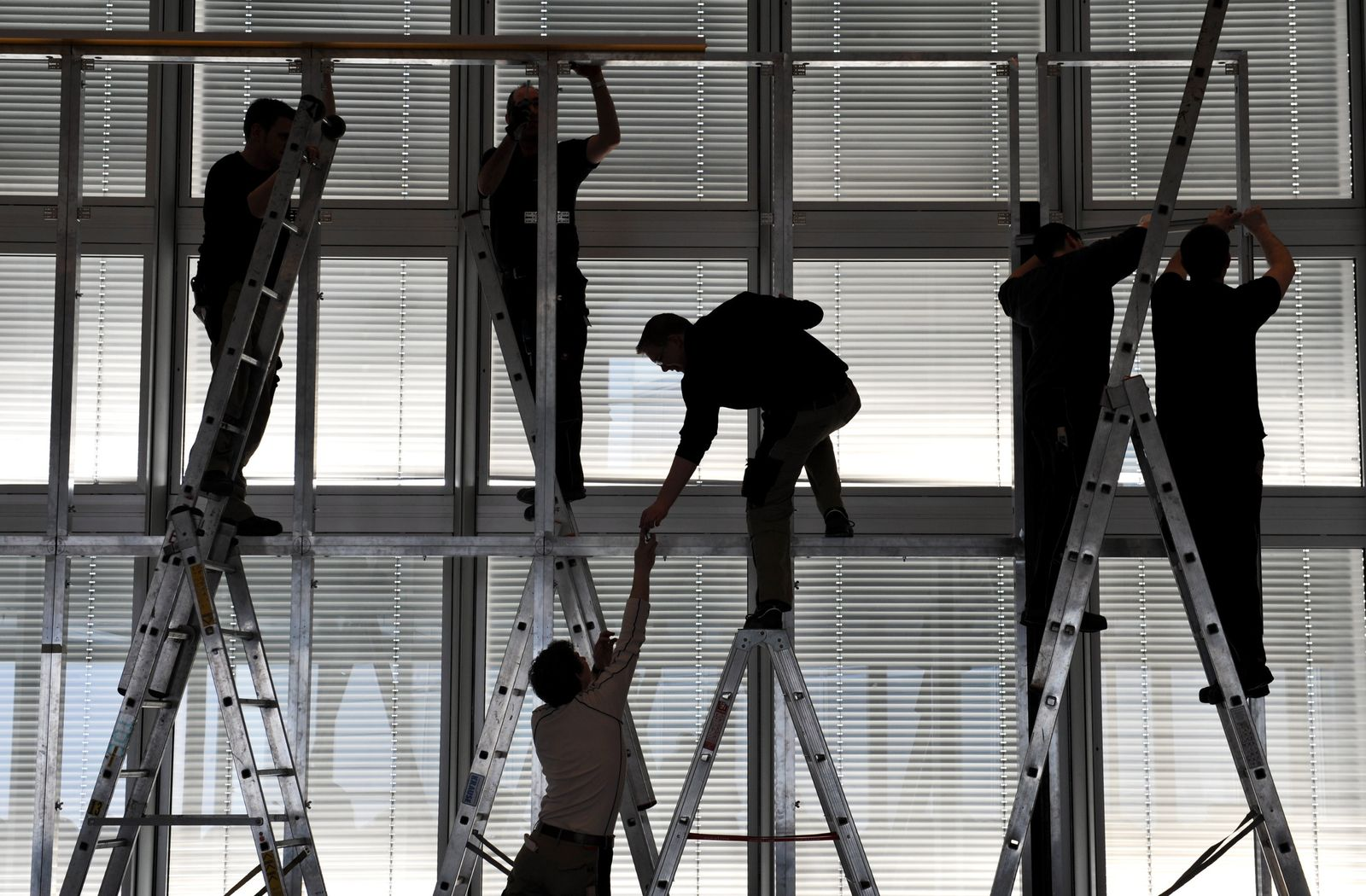 Handwerk/ Azubi Symbolbild Arbeitsmarkt / Arbeiter