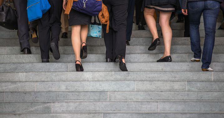 Treppe hoch, Treppe runter: Machen Sie Ihr Urteil über einen Menschen nicht von dessen Position abhängig