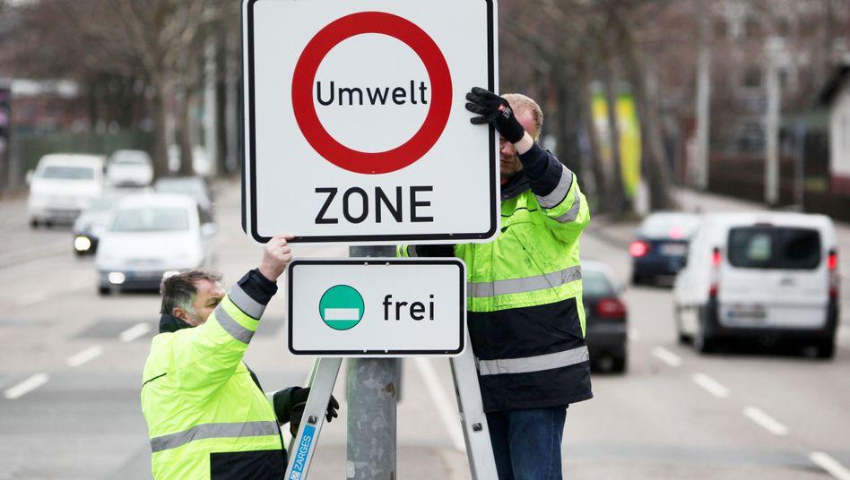 Angst vor Fahrverboten: Auf Druck einzelner Städte reagiert das Bundesland Bayern und trotzt BMW und Audi Zugeständnisse ab