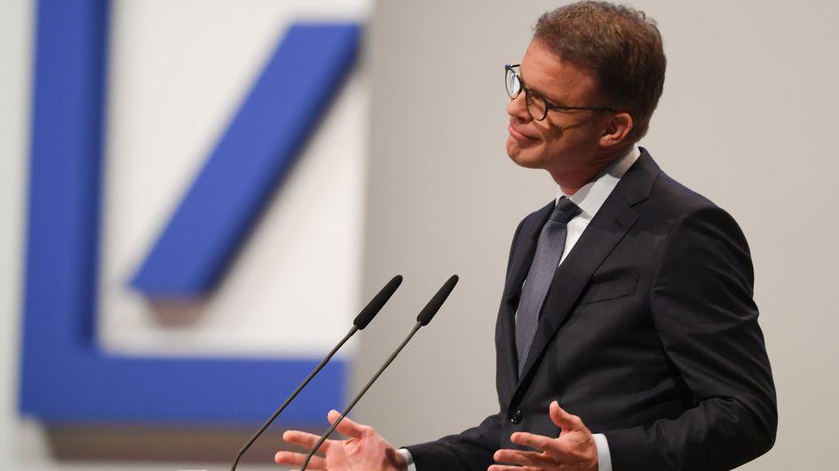 Christian Sewing: Der Chef der Deutschen Bank muss sich auch mit vielen Baustellen seiner Vorgänger beschäftigen
