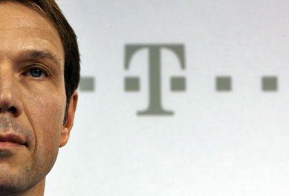 """""""Völliger Schwachsinn"""": Telekom-Chef René Obermann erwecke laut Wilhelm den Eindruck, als seien Mitarbeiter an dem Desaster schuld"""
