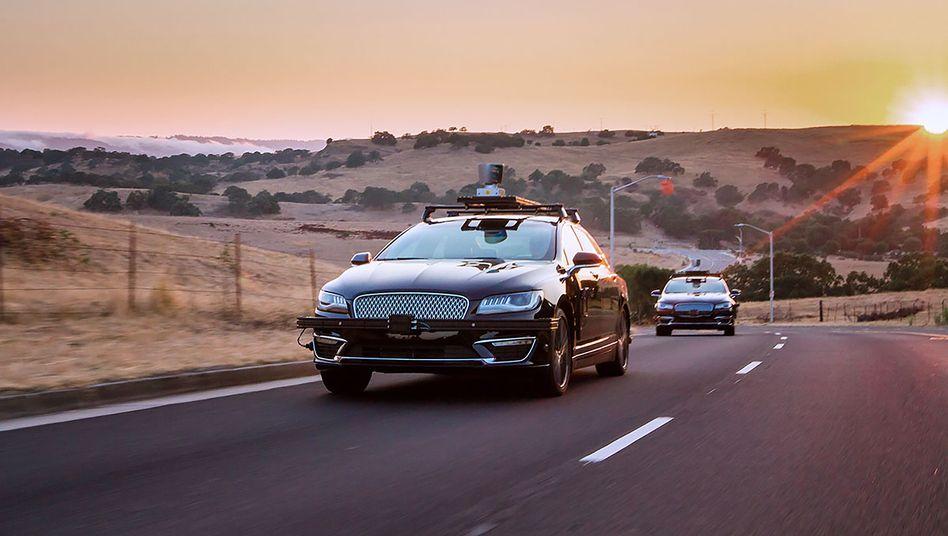 Roboterwagen-Prototyp mit Selbstfahrsystem von Aurora