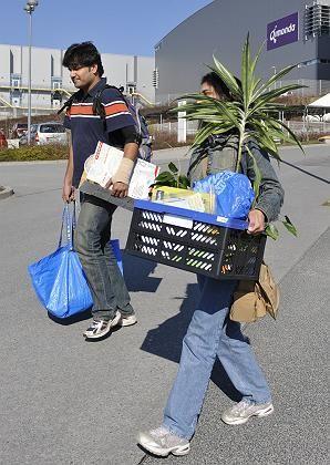 Kein zurück: Zwei Mitarbeiter von Qimonda in Dresden nach ihrer letzten Schicht