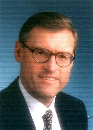 """Heinz K. Stahl war 25 Jahre lang in leitenden Positionen für den Unilever-Konzern tätig. Heute steuert der Professor das internationale Forschungsnetzwerk """"Führung und Komplexität"""" an der Universität Innsbruck."""