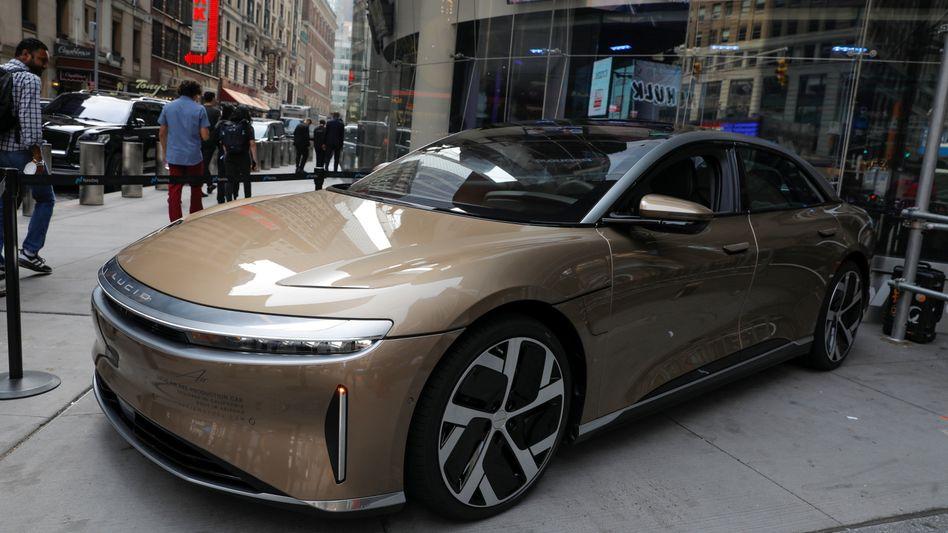 An der New Yorker Börse angekommen: Mit seiner Luxus-Elektrolimousine Air orientiert sich Lucid Air klar an Teslas Geschäftsmodell - der Börsengang ist nun geglückt
