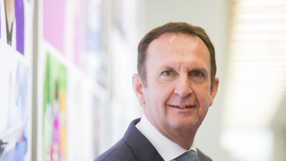Glücklos: Henkel-Chef Hans Van Bylen wird zum Jahresende von Finanzchef Carsten Knobel abgelöst