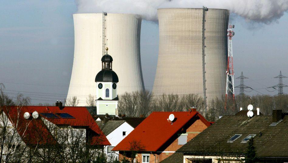Sollen länger laufen: Deutsche Atomkraftwerke sind der Zankapfel zwischen Energiekonzernen und Politik