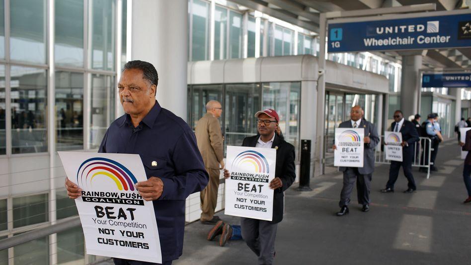 Die Proteste gegen United Airlines lassen nicht nach