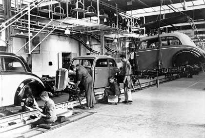 Fertigung des F7 (1937) im Audiwerk Zwickau: Stammvater des Trabi