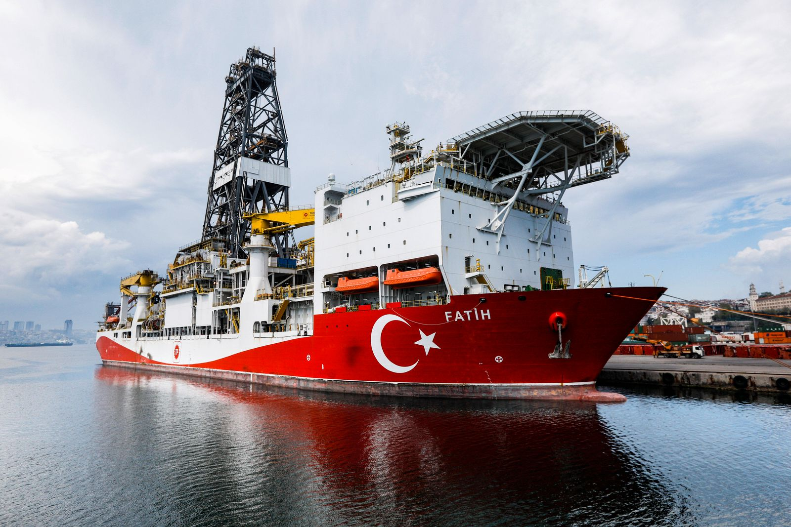 May 1, 2020, Istanbul, Turkey: Turkey s drilling vessel Fatih is seen as anchored off the Haydarpasa Port in Istanbul.