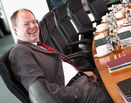 Grund für gute Laune:Finanzminister Steinbrück