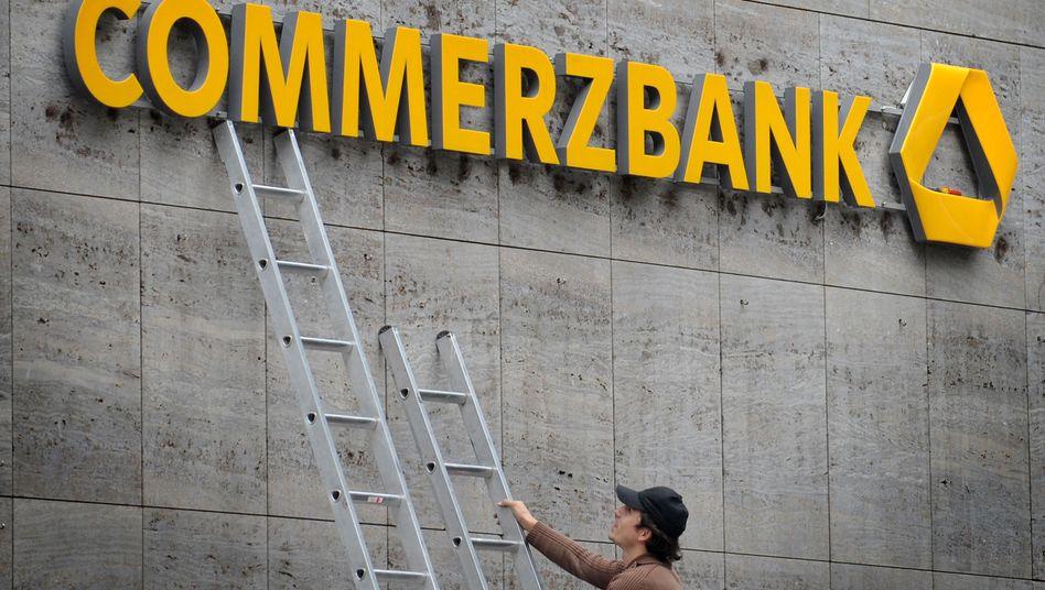 Hoch hinaus: Die Aktie der Commerzbank ist über die Marke von zwei Euro gesprungen