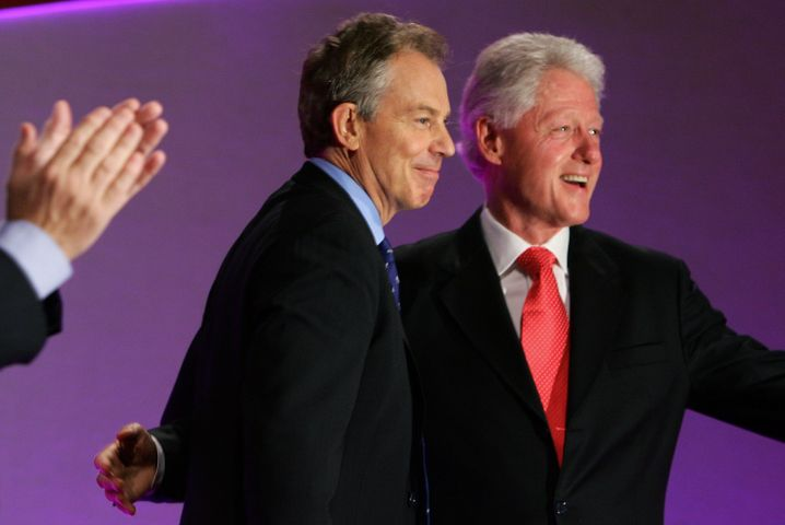 Tony Blair mit Bill Clinton (Archiv)