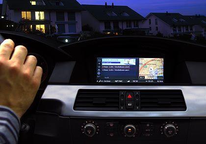 """Das """"Ankunftsszenario"""": Der Wagen rollt vor die Einfahrt, die Lichter im Haus gehen schon an"""