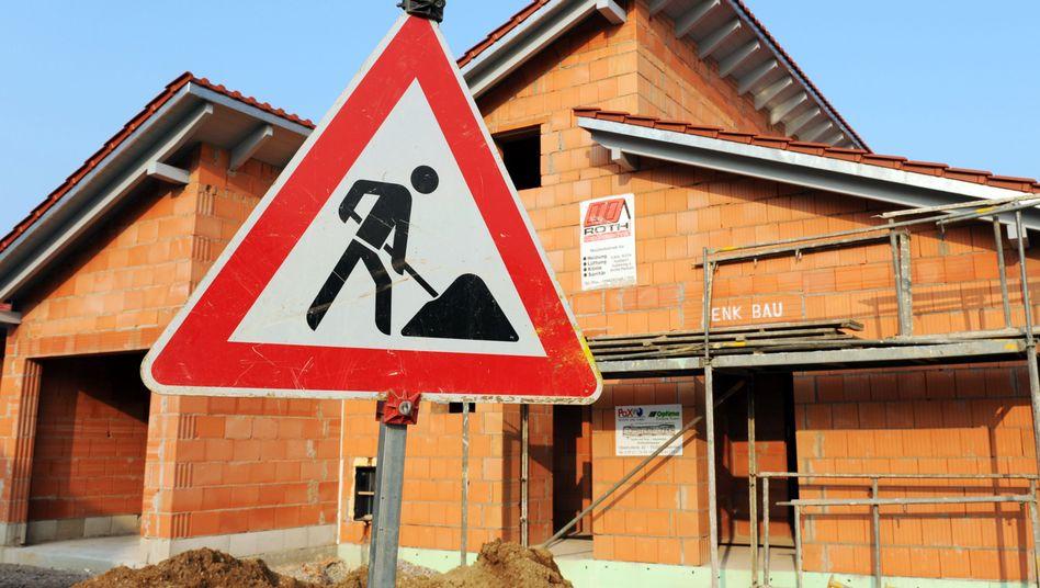 Hausbau: Die Preise für Bauland reichen über eine weite Spanne, von 60 Euro pro Quadratmeter in Thüringen bis zu 1300 Euro in Berlin