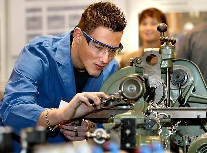 Abgebremst: Weniger Aufträge führen zu einem Jobabbau in der deutschen Industrie
