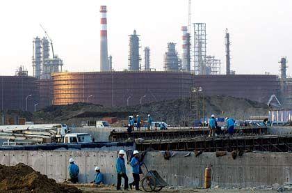Ölraffinerie in China: Wie lange brummt das Wachstum noch?