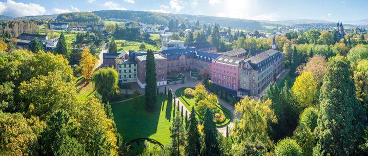 Idyllisch in der Gegend Mittleres Rheintal liegt das Kloster Arenberg in Koblenz - mit spirituellen wie sportlichen Angeboten für Urlaubsgäste.