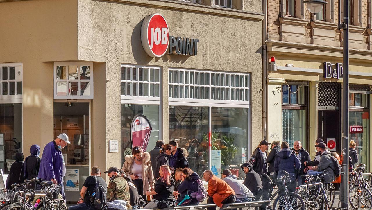 Vergleich zum Vormonat: Zahl der Arbeitslosen im Oktober gesunken - manager magazin - Lifestyle
