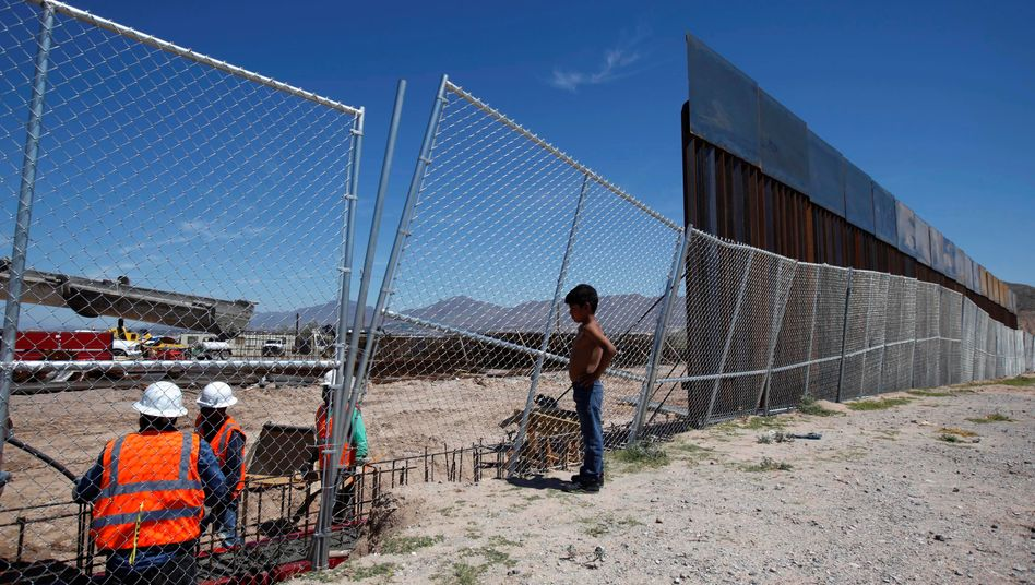 Mauerbau an der mexikanischen Grenze: Nach Trumps Wahlsieg laufen sich Zementhersteller schon mal warm