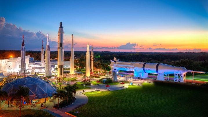 Raketengarten am Kennedy Space Center: In Florida können Urlauber vieles über die Geschichte des US-Raumfahrtprogramms lernen.