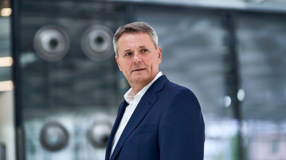 Will Leistung sehen: Bayer-Oberkontrolleur Norbert Winkeljohann fordert höheres Tempo, mehr Gewinn und sinkende Kosten