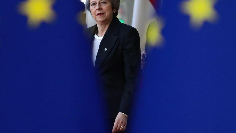 Betteln in Brüssel: Theresa May trifft sich heute mit den 27-Regierungschefs der EU
