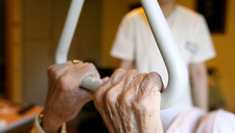 """Fachkräftemangel: """"Viele Pflegekräfte sehen sich nach einigen Jahren in einer Überlastungssituation gefangen"""""""