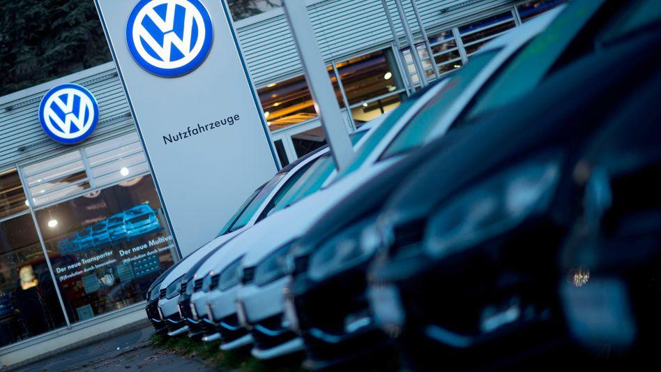 VW- und Audi-Händler sollen Leasing-Dieselautos nur noch mit enormen Abschlägen weiterverkaufen können und machten dabei hohe Verluste