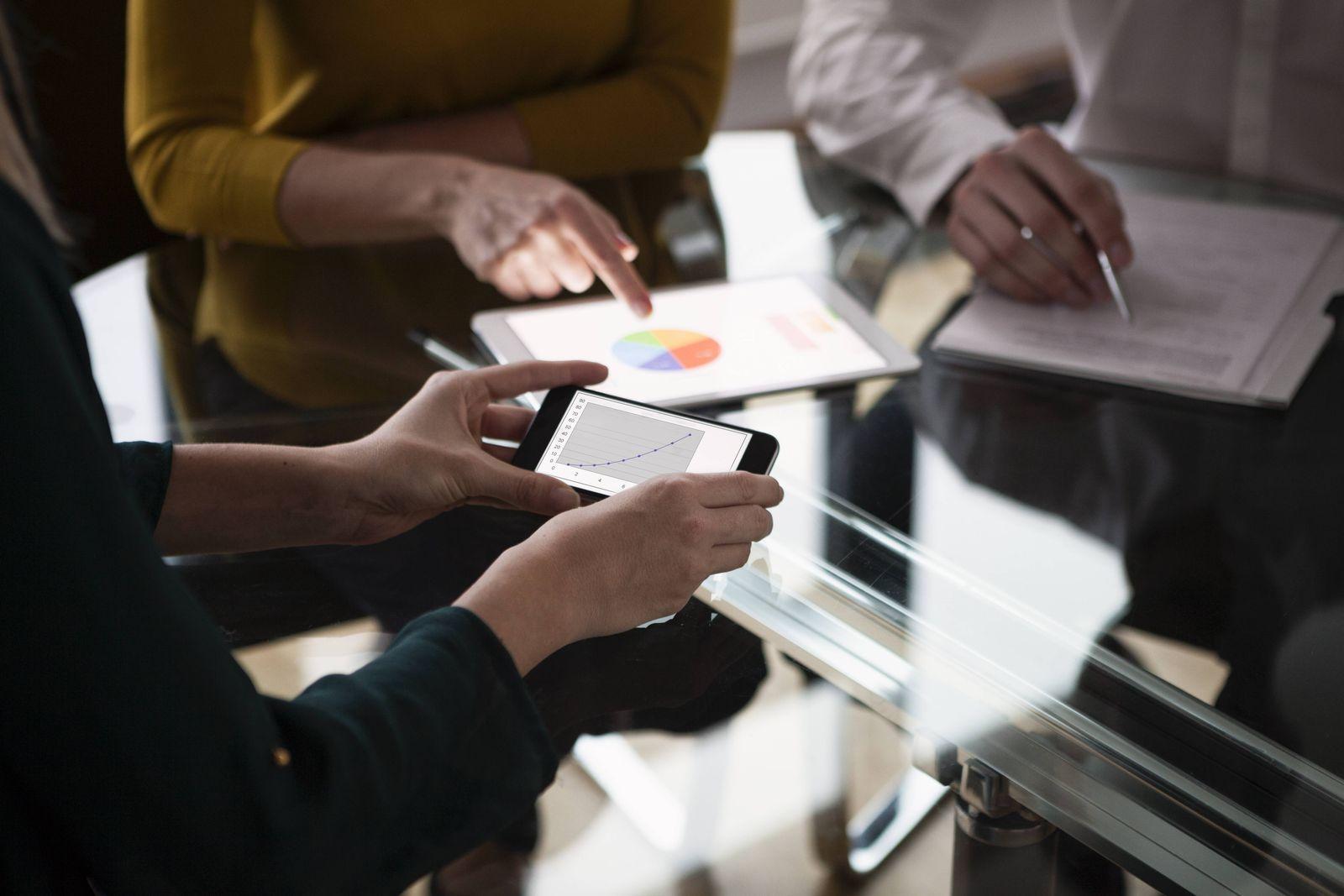 EINMALIGE VERWENDUNG Smartphone / Tablet / Digitalisierung