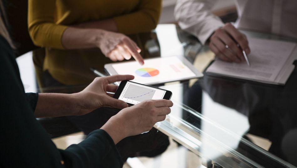 Digitale Revolution: Die Weiterentwicklung vom reinen Telefon zum Multifunktionsgerät hat den Onlinemarkt umgekrempelt