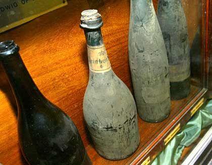 Flasche mit 1540er Steinwein: Ein lebendiger Organismus
