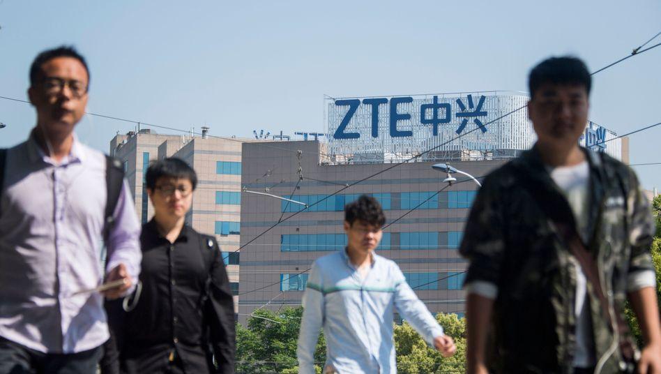 ZTE: Ohne Technologie aus den USA droht dem chinesischen Netzwerkriesen das Aus. Nun scheint eine Einigung möglich