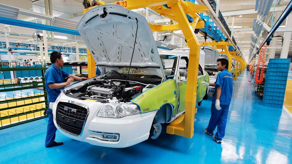 Autobau beim Geely-Konzern in Shanghai: China bietet im Bereich Technologie und Konsum Investmentchancen, sagt Marktkenner Claus Born