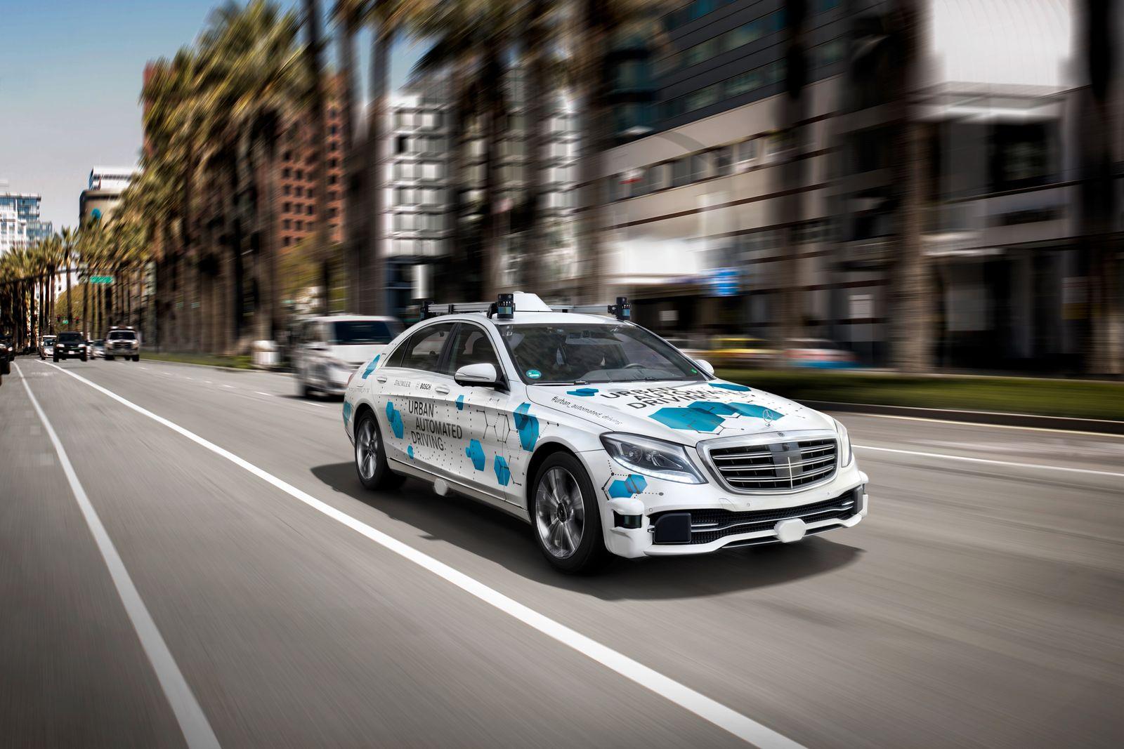 Bosch und Daimler / automatisierten Mitfahrservice