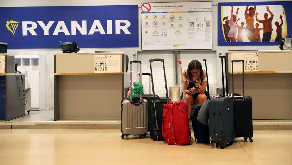 Archivbild: Diese Passagierin strandete während eines Ryanair-Streiks am 25. Juli in Madrid