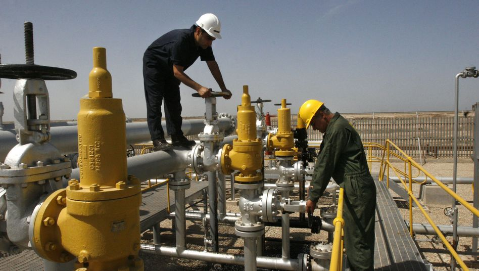 Ölfeld im Iran: Drohungen gegen den Westen
