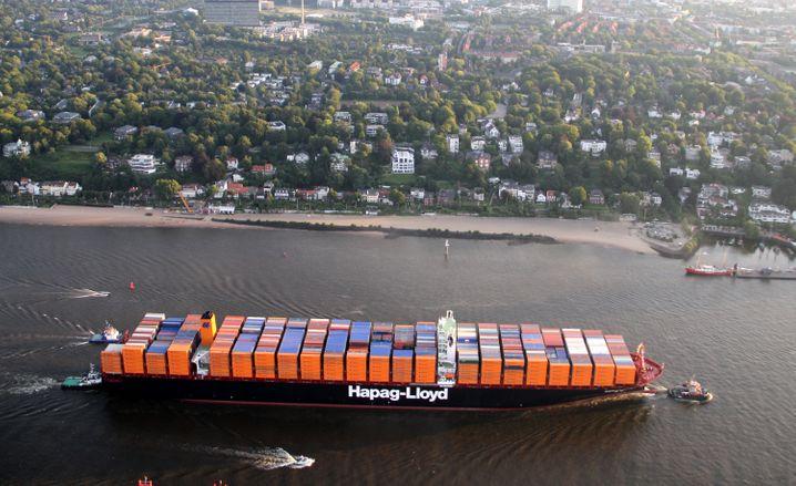 """Große Schiffe - """"kleiner"""" Börsengang: Der Container-Riese Hapag-Lloyd muss beim Börsengang enorme Abstriche machen. Die Erstnotiz ist bereits auf den 6. November verschoben worden."""