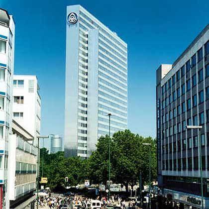 ThyssenKrupp-Zentrale in Düsseldorf: Furcht vor nachlassender Stahlnachfrage in Asien drückt Aktienkurs