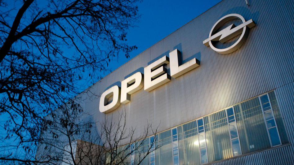 Opels Werk in Bochum: Offenbar soll der Zafira nach der Schließung im französischen Sochaux gefertigt werden