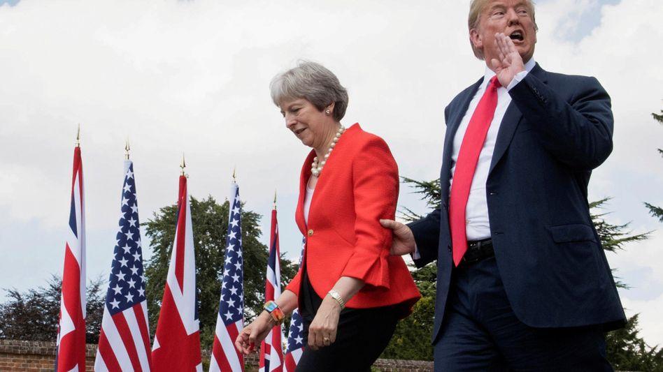 Donald Trump, Theresa May: Lieber Gegensätze zelebrieren als Kompromisse suchen