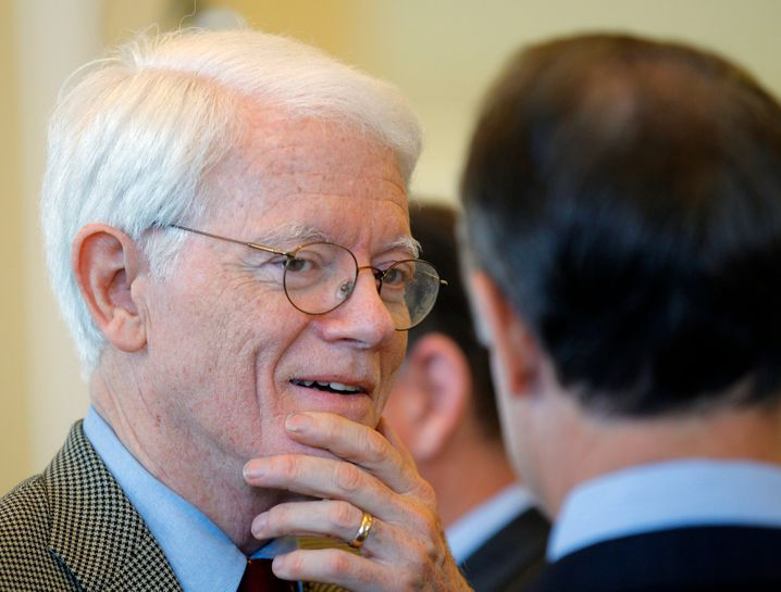 Fidelitys Vordenker: Peter Lynch war lange Fondsmanager des Magellan aus dem Hause Fidelity und erzielte damit eine jährliche Rendite von über 29 Prozent - zumindest in der Zeit von 1977 bis 1990. Auch das ein Grund für Arnolds Ritterschlag.