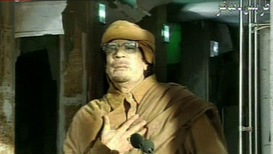 """""""Ich bin kein Präsident, der zurücktreten kann"""": Libyens Diktator Gaddafi bei der Fernsehansprache am Dienstag"""