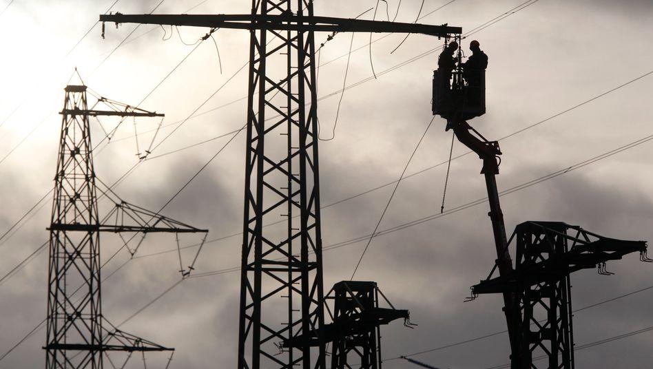 Neue Strommasten: Von den im Energieleitungsausbaugesetz priorisierten 1800 Kilometer Hochspannungstrassen wurden erst 268 Kilometer realisiert.