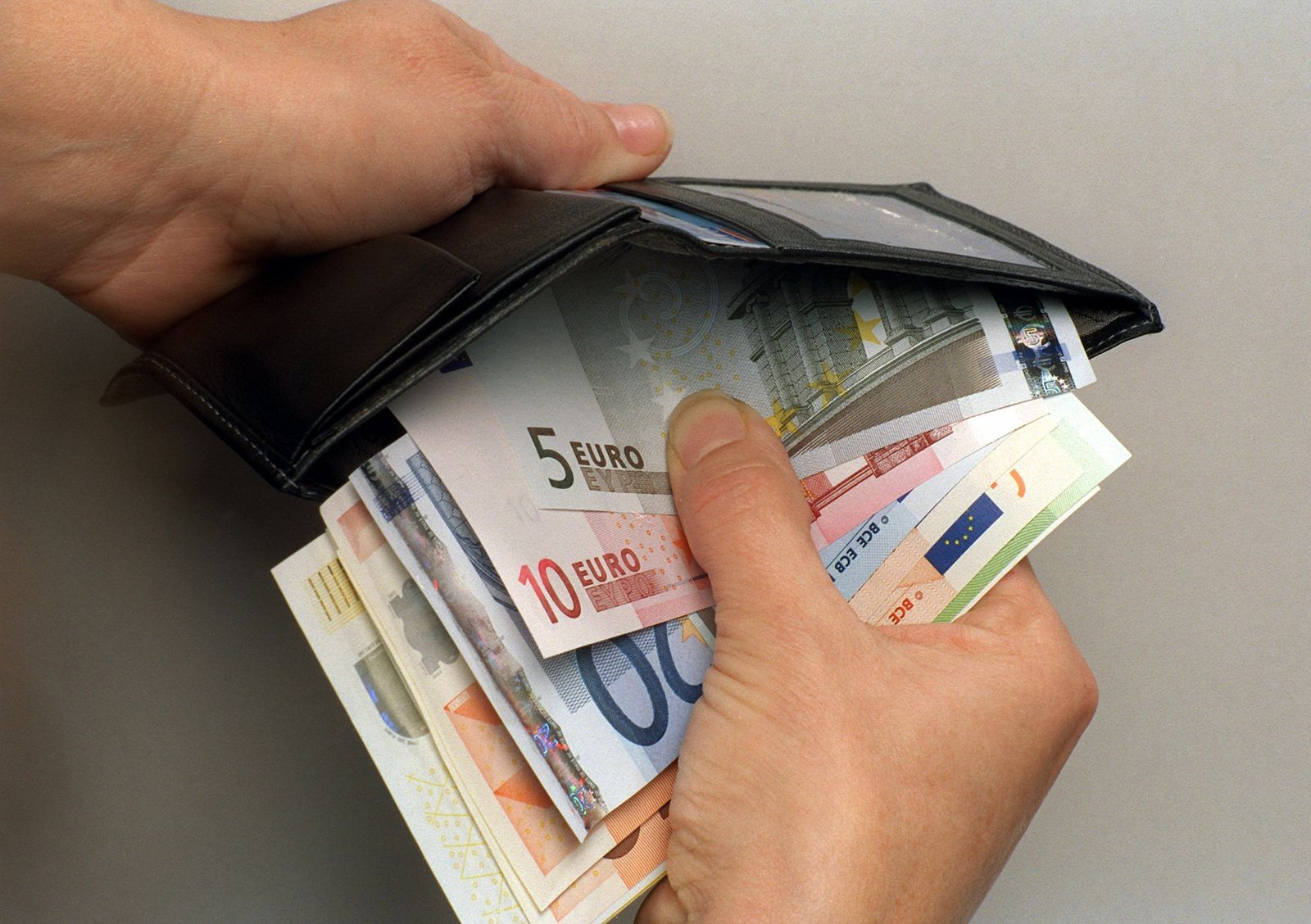 KaSP Euro-Geldbörse Banknoten SYMBOLBILD