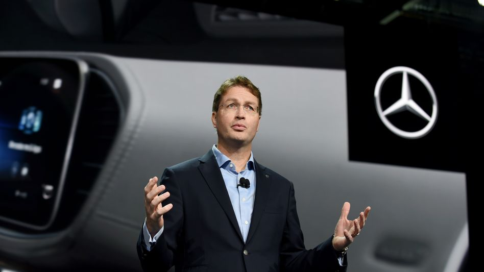 Daimler-Chef Ola Källenius: Mehr als 1,5 Milliarden Euro will der Autobauer bis 2022 einsparen - davon rund eine Milliarde Euro beim Personal